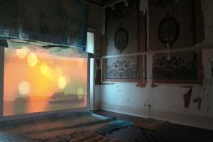 Zugang, de Sebastian Wiedemann, 2011. O vídeo fez parte da exposição Aparições, no MIS-Campinas, em maio de 2015. Veja esta notícia também no link: http://climacom.mudancasclimaticas.net.br/?p=1900