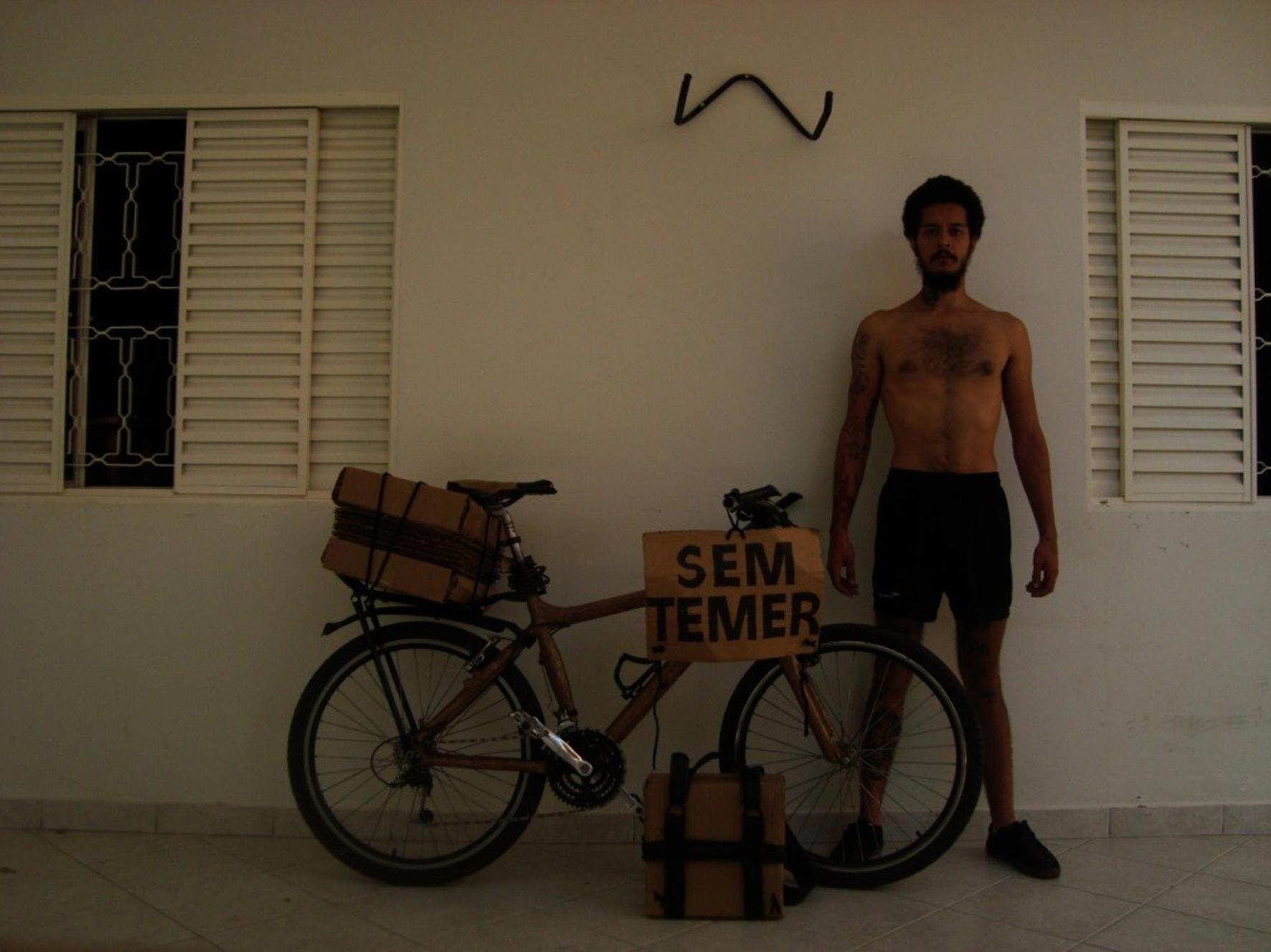 """Foto anterior a uma das ações dos """"Pró-pagando Nº 1"""", UberlândiaMG. (Foto Raphael Faria)."""