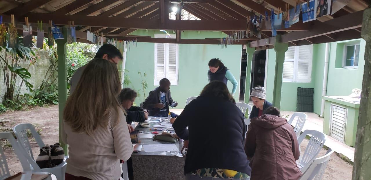 Oficina grupo trabalhando